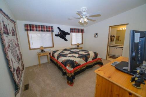 Cozy Cabin at Panguitch Photo