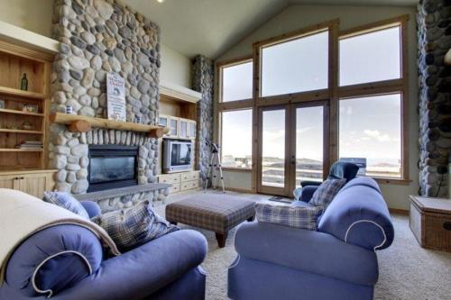 Skyview Chalet Photo