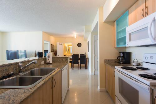 Apartment By Great Sunny Isles Lodging Photo