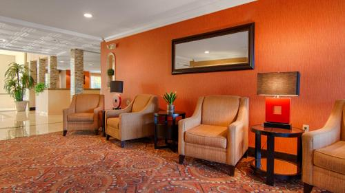 Best Western Plus Vineyard Inn Photo