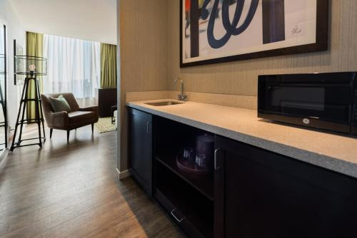 Hampton Inn & Suites Washington, D.C. - Navy Yard Photo