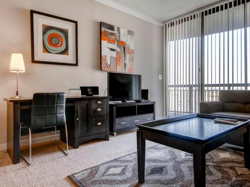 Global Luxury Suites at Porter Square Photo