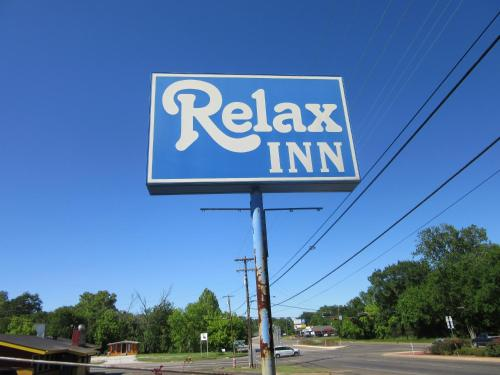 Relax Inn Tyler Photo