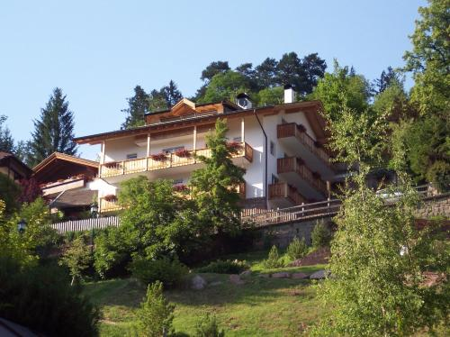 Villa Hubertus Apartments