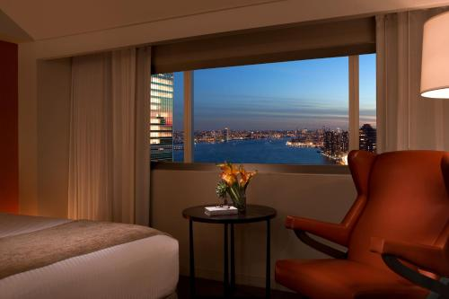 Millennium Hilton New York One UN Plaza photo 23
