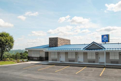 Americas Best Value Inn-Saint Clairsville/Wheeling Photo