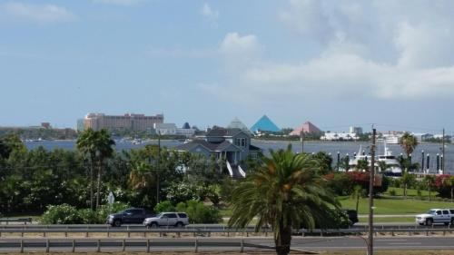 Americas Best Value Inn & Suites Hotel - Galveston Island Photo