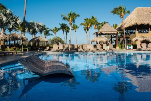 Flamingo Beach Resort & Spa Photo