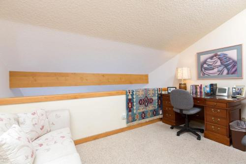 Mackinaw Apartment Photo