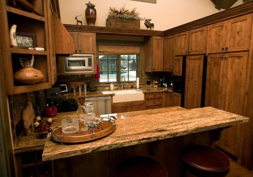 Western Star Cabin Photo