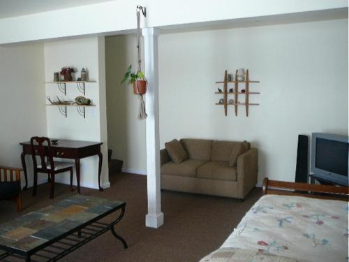 Durfee Hill Apartment Photo