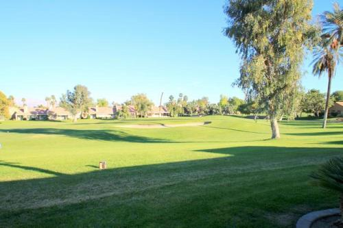 Palm Desert Resort & Country Club II Photo