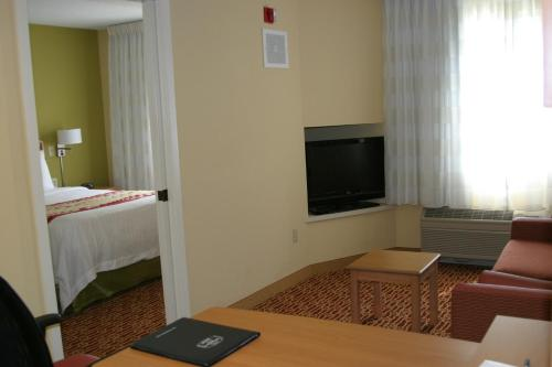 Towneplace Suites By Marriott Wichita East - Wichita, KS 67226