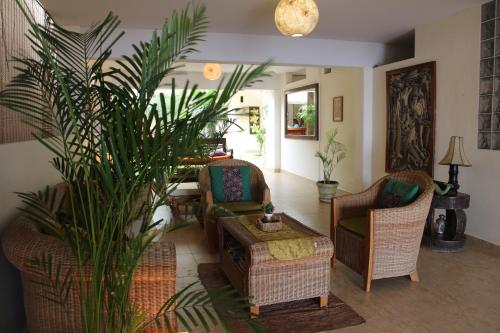 Don Giovanni / Balinese Suites y Gelateria Photo