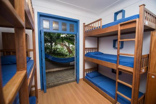 Bed in 9-Bed Mixed Dormitory Room with Balcony