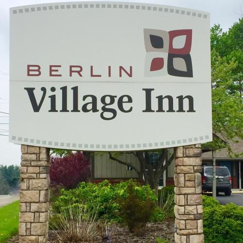 Berlin Village Inn Photo