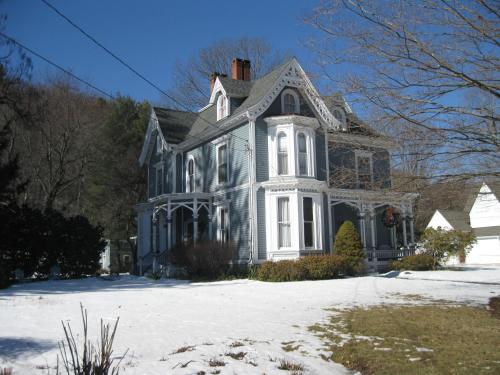 Chapin Park Bed & Breakfast Photo