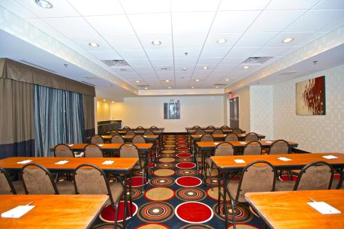 Hampton Inn Atlanta McDonough Photo