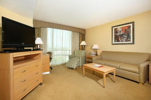 Crowne Plaza Hotel Orlando-Universal photo 43