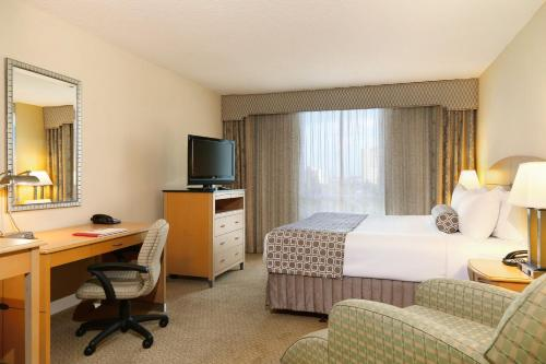 Crowne Plaza Hotel Orlando-Universal photo 44