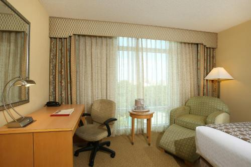 Crowne Plaza Hotel Orlando-Universal photo 48
