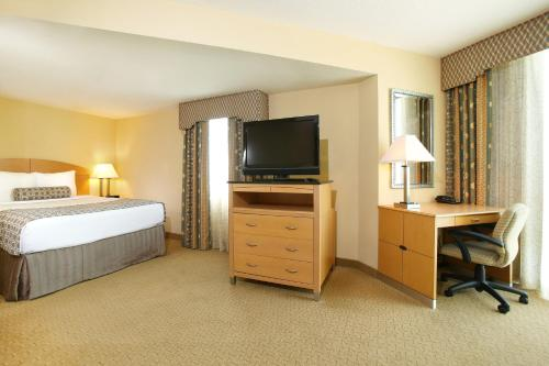 Crowne Plaza Hotel Orlando-Universal photo 49