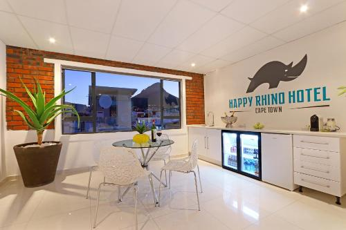 Happy Rhino Hotel Photo