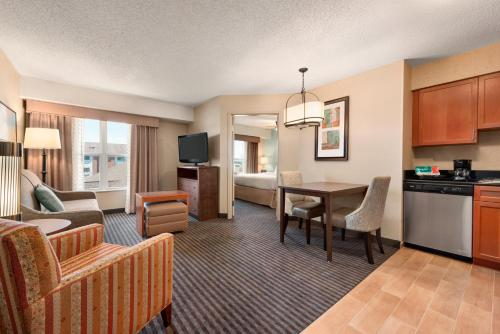 Homewood Suites by Hilton Columbus-Hilliard Photo
