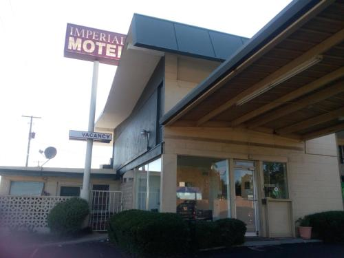 Imperial Motel Photo