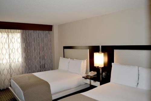 DoubleTree by Hilton Hotel Houston Hobby Airport photo 12