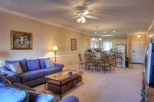 Magnolia Pointe 103-4879 Condo Photo