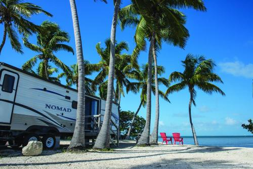 Sunshine Key Elite Travel Trailer 15 Photo