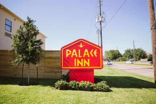 Palace Inn Houston Northwest 290 Photo