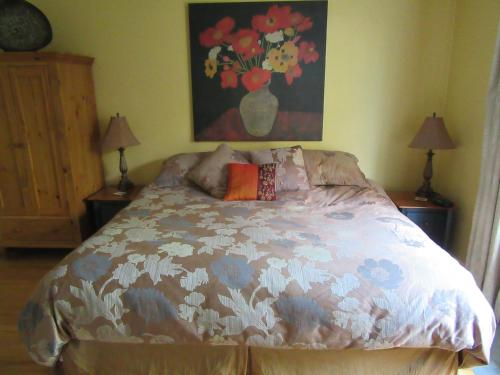 Across the Harbour Bed & Breakfast Photo