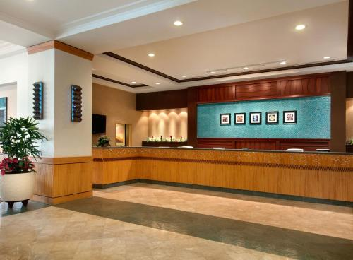 Ilikai Hotel & Luxury Suites Photo