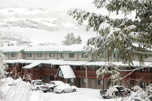 Innwest Kirkwood Inn Photo