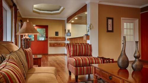 Best Western Post Oak Inn Photo