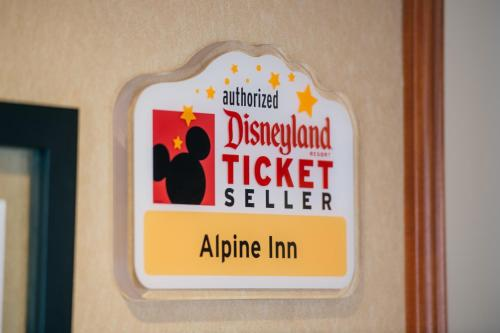 Alpine Inn near Convention Center and the Park - Anaheim, CA 92802