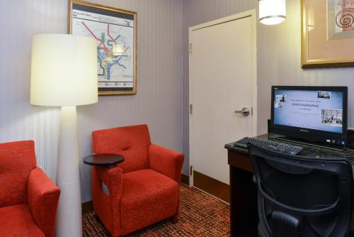 Hampton Inn College Park Photo