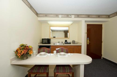 Hampton Inn & Suites-Atlanta Airport North-I-85 Photo