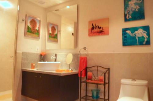 Grand Venetian Luxury Condos 1 Bedroom Photo