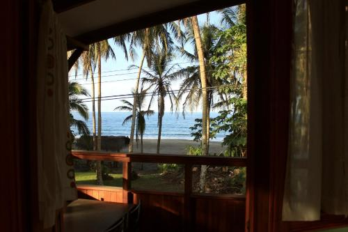 Perla Negra Beach Front Rustic Accommodation Photo