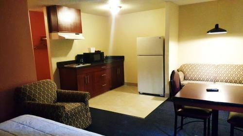 Sutton Suites & Extended Stays Photo