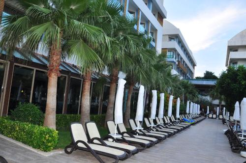 Port Side Resort Hotel Photo