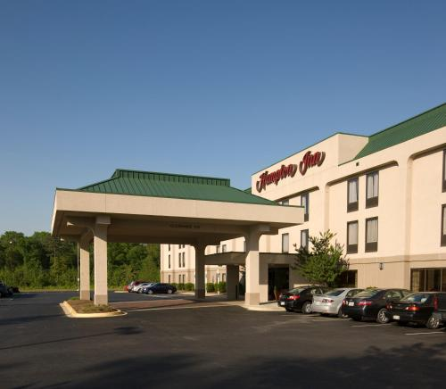 Hampton Inn Waldorf Photo