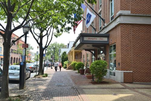 Hampton Inn Alexandria/Old Town Photo
