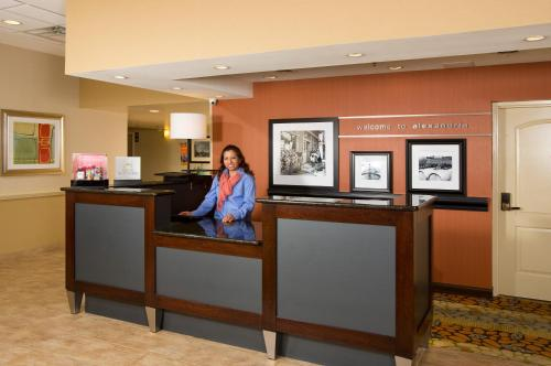 Hampton Inn Alexandria Photo