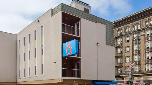 Motel 6 San Francisco Downtown Photo