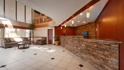 Best Western Hospitality Hotel & Suites Photo