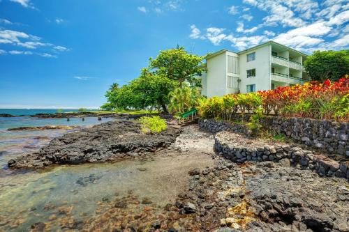 Pagoda Hilo Bay Hotel Photo